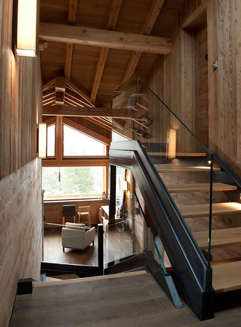 Charpente et escalier maison ossature bois réalisé par Chalets Bayrou