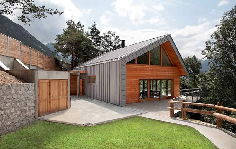 Maison en ossature bois de prestige par Chalets Bayrou