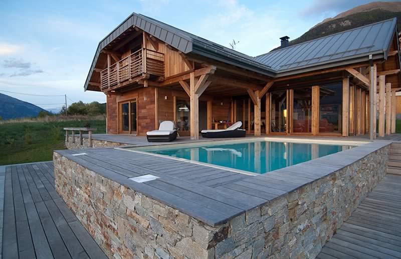 Maison ossature bois à Courchevel par Chalets Bayrou